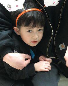 """12.6rb Suka, 31 Komentar - 120905 kiyong ʕ•ﻌ•ʔ 7세 기용이네 (@yong_mom) di Instagram: """"으잉~무서어ㅜㅜ #쭈굴이"""""""