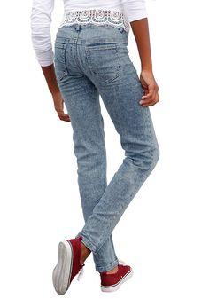 Produkttyp , Jeans, |Qualitätshinweise , Hautfreundlich Schadstoffgeprüft, |Materialzusammensetzung , Obermaterial: 75% Baumwolle, 24% Polyester, 1% Elasthan, |Material , Jeans, |Farbe , light blue, |Passform , schmale Form, |Beinform , schmal, |Beinlänge , lang, |Leibhöhe , etwas niedriger, |Bund + Verschluss , Druckknopf bis Gr. 134, verstellbarer Innen-Gummizug, |Taschenanzahl , 2, |Vorder- ...