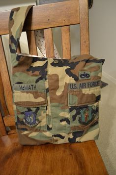 Finally! Something I can make out of all Brads old BDUs. We have TONS on them it seems. Sunny Spot Quilts: BDU Bag