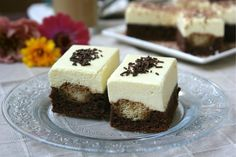 Un desert fin si delicios Hungarian Desserts, Hungarian Recipes, Turkish Recipes, Sweets Recipes, My Recipes, Cooking Recipes, Cake Bars, Romanian Food, Mini Cakes