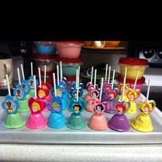 Disney Princess Cake Pops, Cute!!! so perfect for my 3 year old! or my eighteen year old cousin.....