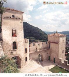 Una mattinata limpida e serena a #CastelBrando e le nostre dame del #castello vi augurano buona giornata! #buongiorno #cisondivalmarino #castle #veneto #italy