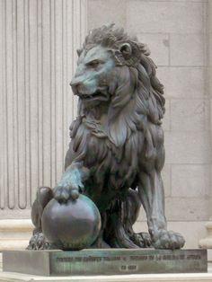 #madrid #lion #statue