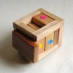 casse-tete - Dispari - Dario Uri Puzzles, Toy Chest, Storage Chest, Outdoor Chairs, Toys, Furniture, Home Decor, Letter Case, Activity Toys