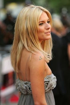 Sienna Rose Miller is an English actress, model and fashion designer. She is best known for her roles in Layer Cake, Alfie, Factory Girl, The Edge of Love and G.I. Joe: The Rise of Cobra. Wikipedia