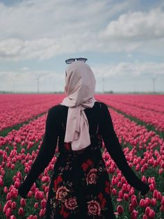 """🌼Names of Prophet's daughters ---------------------------------------------- bint Muhammad Ruqayyah bint Muhammad Kulthum bint Muhammed Fatima bint Muhammed (Az-Zahrah) Read about them in with Prophet "" Arab Girls Hijab, Muslim Girls, Hijabi Girl, Girl Hijab, Hijab Hipster, Muslim Images, Hijab Cartoon, Muslim Women Fashion, Hijab Fashionista"