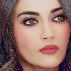 Beautiful Girl Indian, Beautiful Girl Image, Beautiful Bride, Beautiful Pictures, Pakistani Bridal Makeup, Best Bridal Makeup, Makeup Eye Looks, Beauty Makeup, Hair Makeup