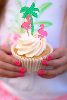 Add tropical flair to fruit slices, snacks, canapés and hors d'oeuvres at luaus, beach and pool parties with these 3 bright pink flamingo-shaped . Luau Cupcakes, Tropical Cupcakes, Flamingo Cupcakes, Summer Cupcakes, Tropical Party, Cupcake Party, Birthday Cupcakes, Tropical Pool, Hawaiian Birthday