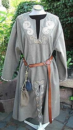 Tunika, Frühmittelalter, Handstickerei Tunic, early medieval period, handmade embroidery