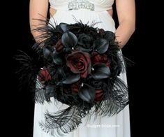 40 Adorable Halloween Wedding Bouquet Ideas Using Black Roses - VIs-Wed Spring Wedding Bouquets, Red Bouquet Wedding, Bride Bouquets, Rose Wedding, Flower Bouquets, Wedding Dresses, Bouquet Noir, Black Bouquet, Wedding Wows