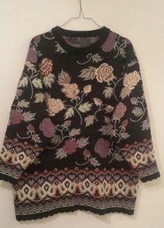 Kup mój przedmiot na #vintedpl http://www.vinted.pl/damska-odziez/dlugie-swetry/16379092-swietny-blogerski-sweter-w-ciekawe-wzory