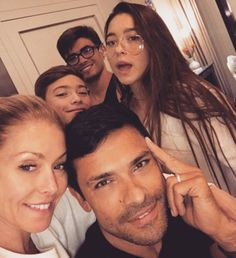 So Adorable!: Kelly Ripa Shares a Cute Selfie With Husband Mark Consuelos and Their 3 Kids