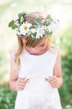 Flower girl flower crown, Shaffer Ranch Wedding - Chico California Wedding Photographer Trécreative