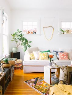 Learn how to take beautiful interior photos with these 8 helpful tips!