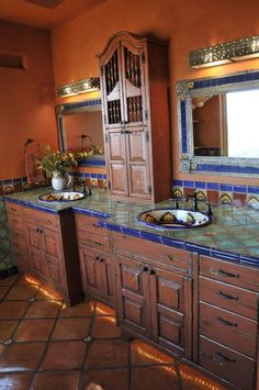 Essentials For A Spanish-Style Bathroom – House Remodel HQ Mexican Style Homes, Hacienda Style Homes, Mexican Home Decor, Spanish Style Homes, Spanish House, Mexican Kitchen Decor, Spanish Revival, Spanish Colonial, Spanish Style Bathrooms