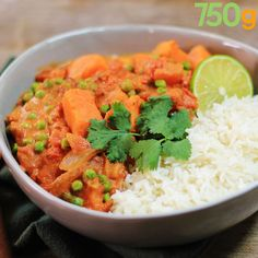 Sweet potato and pea curry - Cuisine vegan - Vegetarian Recipes Easy Cooking, Healthy Cooking, Healthy Eating, Cooking Recipes, Veggie Recipes, Indian Food Recipes, Vegetarian Recipes, Healthy Recipes, Dinner Recipes