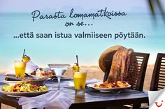 Pöytä on katettu, ihanaa! Travel Memories, Summer Vibes, Places To Visit, Beach, Food, Meal, The Beach, Essen, Hoods