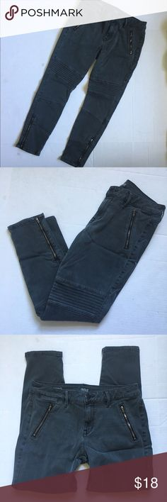 """A.n.a. Gray Distressed Moto Jeggings Skinny Jeans Excellent used condition, very minor wear, no major flaws. Moto Jeggings/skinny jeans. Denim material. Functional zippers over front pockets and on ankles. Only back pockets and tiny pocket on hip are functional. Size 8 or 29 in women's. Stop at the Ankle, 26"""" inseam. a.n.a Jeans Ankle & Cropped"""