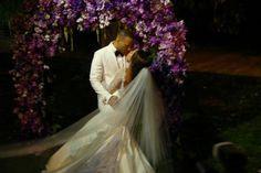 Gorgeous Celebrity Weddings - Meagan Good and DeVon Franklin Wed Wedding Kiss, Purple Wedding, Wedding Couples, Wedding Bells, Dream Wedding, Wedding Day, Wedding Dreams, Wedding Decor, Wedding Ceremony