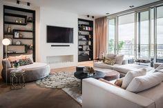Luxo Garden Pool Villas -O Residence . Living Room Wall Units, Living Room Lounge, Living Room Interior, Living Room Decor, Living Rooms, Luxury Homes Interior, Interior Design, Classic Living Room, Dining Room Design