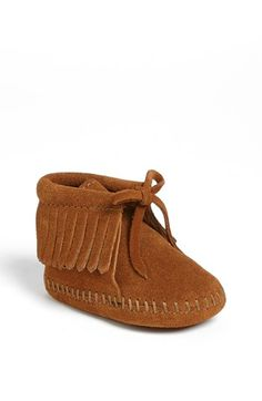 Baby girl Mintjal just got these cute boots :) Minnetonka Fringe Bootie (Baby & Walker) Nordstrom Baby Girl Shoes, My Baby Girl, Girls Shoes, Baby Girl Fashion, Kids Fashion, Toddler Fashion, Toddler Outfits, Fashion Shoes, Cute Babies