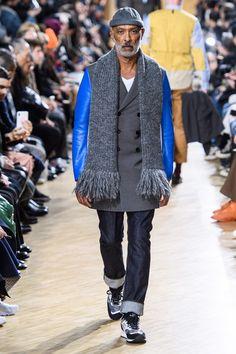 Junya Watanabe Fall 2019 Menswear Fashion Show Collection: See the complete Junya Watanabe Fall 2019 Menswear collection. Look 7 Older Mens Winter Fashion, Old Man Fashion, Mens Fashion Week, Urban Fashion, Fashion 2020, Fashion Boots, Fashion Vest, Fashion Night, Fashion Outfits