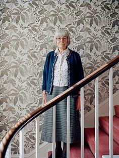 Marthe Armitage - British wallpaper designer who prints her own linocut designs…