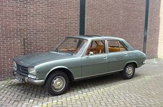 I had one just like this and sure wish i had one today. Most awsome ever it had over miles when i got rid of it n it was driven for anothet 3 yrs after. Same color too! Citroen Ds, France, First Car, Peugeot, Cars Motorcycles, Trains, Rid, Diesel, Classic Cars