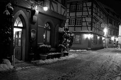 Rothenburg ob der Tauber, Germany by Peter Gutierrez, flickr