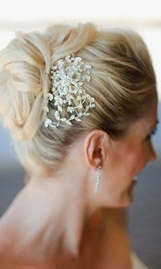 Best Wedding Hairstyle Ideas For Short Hair ★ 24 short wedding hairstyle ideas so good you'd want to cut your hair chris and kristen photography Hairdo Wedding, Simple Wedding Hairstyles, Short Wedding Hair, Loose Hairstyles, Bride Hairstyles, Hairstyle Ideas, Hair Ideas, Boho Wedding, Bridal Braids
