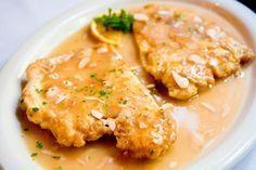 Filetes de Pollo en Salsa Te enseñamos a cocinar recetas fáciles cómo la receta de Filetes de Pollo en Salsa y muchas otras recetas de cocina.
