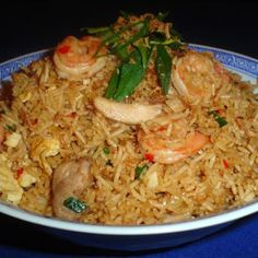 Indonesian Fried Rice (Nasi Goreng) @keyingredient #breakfast #chicken #shrimp