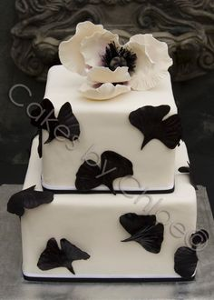 Elegant Fall Modern Spring Summer Winter Black White Square Wedding Cakes Photos & Pictures - WeddingWire.com