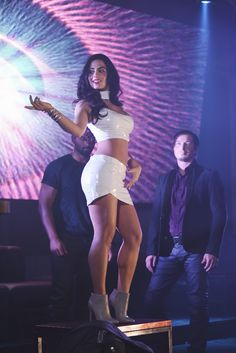 Emeraude Toubia as Isabelle Lightwood in Shadowhunters: The Mortal Instruments Isabelle Lightwood, Shadowhunters Isabelle, Shadowhunters Outfit, Shadowhunters Tv Show, Shadowhunters The Mortal Instruments, Constantin Film, City Of Bones, Shadow Hunters, Cassandra Clare