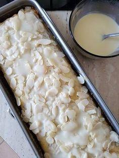 Ciasto bananowe ~ Delusional World of Trine Polish Desserts, Polish Recipes, Sweet Recipes, Cake Recipes, Dessert Recipes, Delicious Desserts, Yummy Food, Banana Pudding Recipes, Homemade Cakes