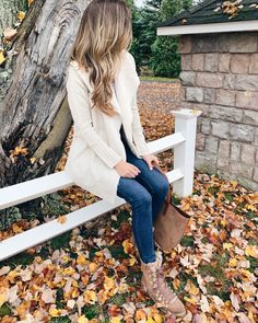 Click here for cute thanksgiving outfits on Pinteresting Plans! Fashionable thanksgiving outfits women casual comfy. Shop these really awesome thanksgiving outfits women casual dress. Check out the most fun thanksgiving outfits women casual boots. These are really nice camel sweater and blue jeans outfit fall ideas and pretty fall beige sweater outfits fall. Put-together and stylish outfit fall sweater outfit with jeans. Thanksgiving outfit dresses dressy. #fashion #fall #thanksgiving Casual Outfits For Moms, Teen Girl Outfits, Outfits With Hats, Casual Winter Outfits, Mom Outfits, Outfits For Teens, Casual Dresses For Women, Clothes For Women, Party Outfits