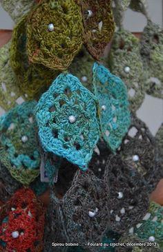 Spirou bobine ... Scarf in Sekku of Noro and beads