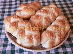 Babiččiny houstičky Hot Dog Buns, Hot Dogs, Czech Recipes, Bread, Baking, Croissants, Food, Life, Crescents