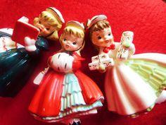 VINTAGE CHRISTMAS JAPAN FIGURINES CHRISTMAS CAROLERS 3XXX NAPCO INTEREST