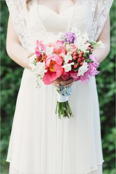spring wedding bouquet #springwedding http://www.weddingchicks.com/2013/12/12/dreamy-tuscan-wedding/