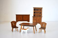 Fun vintage wood dollhouse furniture from Halls Lifetime Toys. Dining room set including hutch, buffet, table and two chairs. Nice used vintage Doll Furniture, Dollhouse Furniture, Dining Room Furniture, Dining Chairs, Ag Doll Crafts, Room Set, Vintage Wood, Dollhouse Miniatures, Buffet