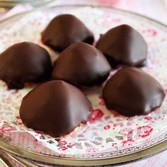 Chokladbiskvier – Sarah Bernhardt – recept Fika, Tart, Food And Drink, Pudding, Sweet, Desserts, Christmas, Candy, Tailgate Desserts