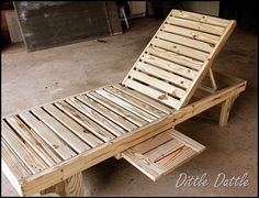 things made from pallets | All Things Made with PALLETS / Dittle Dattle: DIY Chaise Lounge Chairs ...
