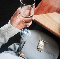 Imagem de fashion, drink, and bag