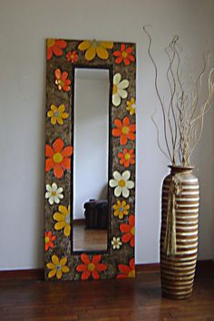 Mirror Crafts, Diy Mirror, Mosaic Wall Art, Mirror Mosaic, Mosaic Crafts, Mosaic Projects, Mirror Painting, D House, Window Art