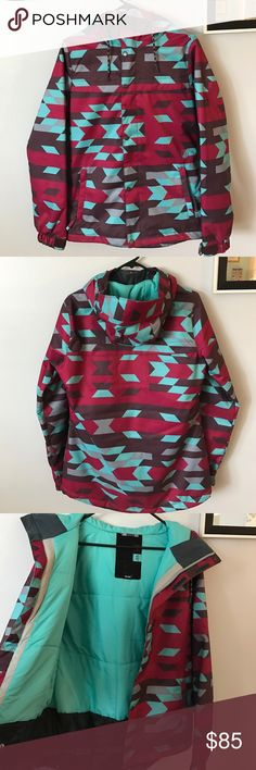 Volcom winter coat! Volcom winter coat, great for skiing, snowboarding, and all other winter activities! Worn only twice! No stains or other signs of wear and tear. From a smoke/pet free home. Volcom Jackets & Coats Utility Jackets