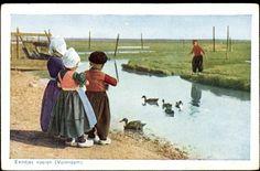 Postcard Volendam, kleine♥ Kinder in niederländischer Tracht
