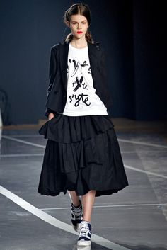 LOVE!!!! Y-3 Spring 2012 Ready-to-Wear Collection Slideshow on Style.com