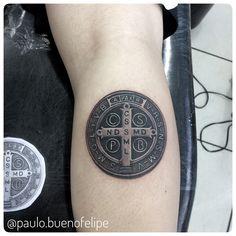 Medalha de São Bento   Artista: Paulo Bueno @paulo.buenofelipe Psychedelic tattoo Bauru SP