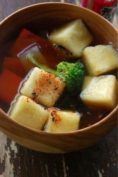 Japanese Koya-Dofu (Freeze-Dried Tofu Cube) and Vegetable Soup with Shichimi Chili Pepper|揚げ高野豆腐のおつゆ